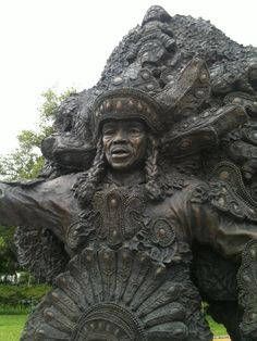 Big Chief Tootie Montana statue in Armstrong Park