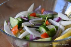 15 retete de salate pentru slabit sanatos. Salate delicioase si rapide – Sfaturi de nutritie si retete culinare sanatoase Healthy Salad Recipes, Caprese Salad, Feta, Cucumber, Delish, Cabbage, Cheese, Vegetables, Fitness