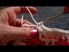 This tutorial is the slowed down demonstration on how to unite the A and B sides of Interlocking Crochet™. For written instructions go to www.InterlockingCrochet.com.
