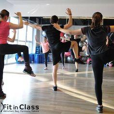 Grup halinde ve özellikle sabah saatlerinde yapacağınız pilates sayesinde güne daha enerjik başlayacaksınız... Vücudunuzu esnetin, rahatlatın, nefes egzersizi yapın ve pozitif bir güne adım atın! www.fitinclass.com