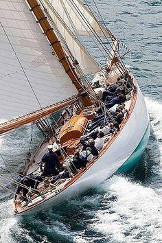 Food and Recipes. On a beautiful classic sailing boat. Life at 33 Degrees. Classic Sailing, Classic Yachts, Sailing Holidays, Cruise Holidays, Boat Stuff, Wood Boats, Yacht Boat, Sail Away, Set Sail