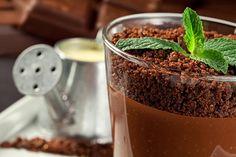 Fondant de chocolate com crocante de café Veja como fazer a receita com expresso ou cápsula de café