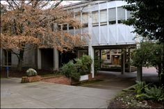 Lawrence Hall exterior. ©University of Oregon Libraries - Special Collections and University Archives