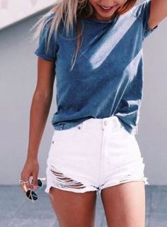 this casual outfit is perfect for spring break or the summer! #Fashion