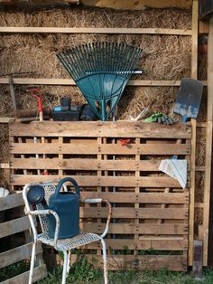 Pallet serves as Garden Tool Storage