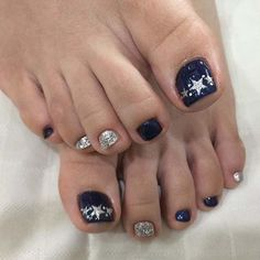 Navy Blue and Silver Star Toe Nail Design - Makeup for Best Skins! Blue Toe Nails, Blue And Silver Nails, Blue Toes, Dallas Cowboys Nail Designs, Dallas Cowboys Nails, Fancy Nails, Trendy Nails, Sparkle Nails, Gold Sparkle