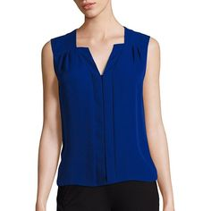 Elie Tahari blouses - Splendid silk blouse designed with a center panel Split V-neck Sleeveless Back yoke with inverted. And jewel tones :-) Neck Designs For Suits, Neckline Designs, Blouse Designs Silk, Blouse Patterns, Stylish Dresses, Fashion Dresses, Sewing Blouses, Silk Blouses, Pencil Skirt Black