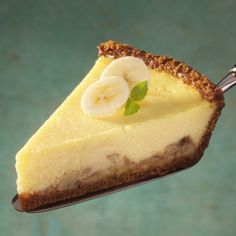Bananas Foster Cheese Pie A simple dessert with classic Bananas Foster flavors. Garnish this creamy pie with sliced bananas and caramel drizzle. Cheese Pie Recipe, Cream Cheese Pie, Cheese Pies, Cream Pie, Apple Custard Pie, Custard Filling, Coconut Custard, Vanilla Custard, Incredible Eggs