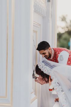 Tips For Planning The Perfect Wedding Day Couple Musulman, Cute Love Couple, Photo Couple, Couple Pics, Couple Quotes, Beautiful Couple, Couple Photoshoot Poses, Wedding Couple Poses, Wedding Couples