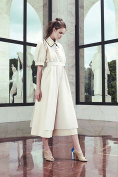 Karl Lagerfeldtraz uma mistura de referênciaspra coleção de pré primavera-verão 2017 da Fendi! Tudo começa... Mais
