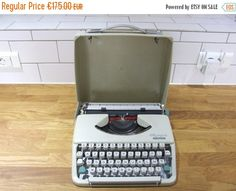 SPRING SALE 15% OFF Olympia Splendid 33 by VintageRetroOddities
