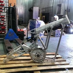 New level of custom mid-motor and electric bike frames Chopper Motorcycle, Motorcycle Garage, Motorcycle Design, Bike Design, New Electric Bike, Electric Cars, Bike Details, Bike News, Bike Frame