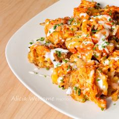 Just when I think there can't possibly be another way to enjoy buffalo chicken I come across another! And if you are a lover of all things buffalo chicken like me, you are NOT going to want to mis. Buffalo Chicken Fries, Buffalo Chicken Recipes, I Love Food, Good Food, Yummy Food, New Recipes, Cooking Recipes, Favorite Recipes, Yummy Recipes