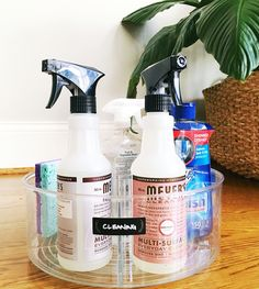 New product tip: The InterDesign divided turntable from The Container Store is a perfect cleaning caddy for under the sink. Kitchen Organisation, Bathroom Organization, Makeup Organization, Storage Organization, Studio Organization, Cleaning Caddy, House Cleaning Tips, Cleaning Hacks, Organize Cleaning Supplies