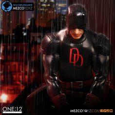 NYCC Exclusive Daredevil Mezco Figure Preview