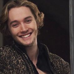Arthur Belmont (First son of Arthur Belmont, Edward's brother) Reign Cast, Reign Tv Show, Mary Queen Of Scots, Queen Mary, Toby Regbo Reign, Serie Reign, Reign Mary And Francis, François Ii, Storm And Silence