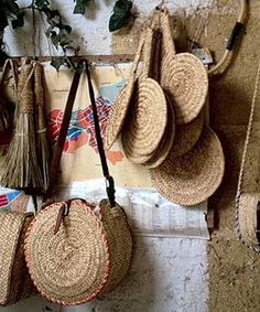 Artesanía en mimbre típica de Vejer (Cádiz) / Wicker handicrafts, typical of Vejer (Cádiz)