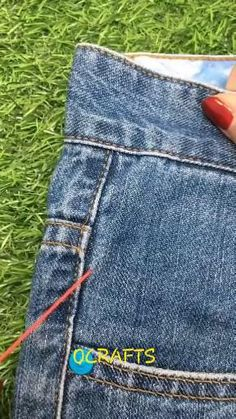 Sewing Machine Quilting, Sewing Machine Thread, Machine Embroidery, Sewing Tips, Sewing Hacks, Sewing Crafts, Brother Embroidery, Hand Embroidery Tutorial, Yoga Shorts