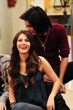 Flashback Friday- Victoria Justice and Avan Jogia on Victorious