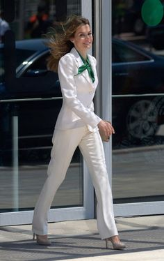 There's one notable modern monarch who deserves just as much praise as a style icon—Queen Letizia of Spain. Ahead, breeze through the best of Queen Letizia's statement-making outfits. 30 Outfits, White Outfits, Fashion Outfits, Princess Letizia, Queen Letizia, Office Fashion, Business Fashion, Royal Fashion, Look Fashion