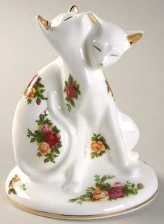 Royal Albert Old Country Roses Cats Entwined Paperweight Porcelain Ceramics, China Porcelain, Porcelain Jewelry, Royal Albert, Vintage China, Vintage Tea, Glass Ceramic, China Patterns, Royal Doulton
