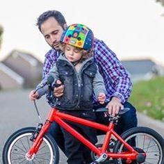 Nutcase Helmets (@nutcasehelmets) • Instagram photos and videos Special People, Helmets, Dads, Bicycle, Photo And Video, Videos, Photos, Life, Instagram