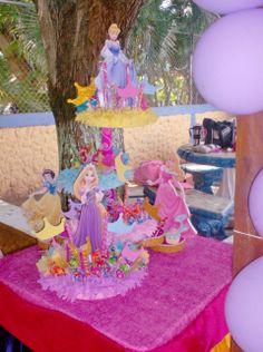 CHUPETERA DE PRINCESA. Rapunzel Birthday Party, Disney Princess Birthday, Cinderella Party, 2nd Birthday Parties, Princess Party Decorations, Princess Theme Party, Birthday Party Centerpieces, Prince Party, Barbie Party