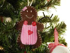 In & around my house : christmas ornaments Felt, Christmas Ornaments, Holiday Decor, House, Felting, Home, Christmas Jewelry, Feltro, Christmas Decorations