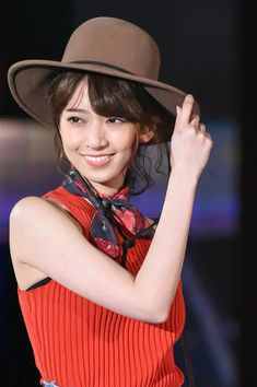 I am just a Big Fun of Especially, Mai Shiraishi, Mai Fukagawa, Nanami Hashimoto, Nanase Nishino. Crazy Cat Lady, Crazy Cats, Hashimoto Nanami, Japan Girl, Asian Beauty, Cowboy Hats, Japanese, Celebrities, Cute