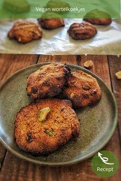 Vegan Wortelkoekjes, gezonde wortel koekjes maken is super simpel met dit recept. Deze carrot cake cookies met pistache zijn extra gezond door de wortel die erin zit. Baked Potato, Muffin, Potatoes, Organic, Baking, Breakfast, Ethnic Recipes, Cake, Food