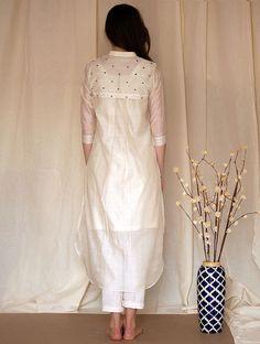Pakistani Dress Design, Pakistani Dresses, Indian Dresses, Indian Outfits, Fancy Dress Design, Kurta Neck Design, Sleeves Designs For Dresses, Kurta Designs Women, Kurti Designs Party Wear