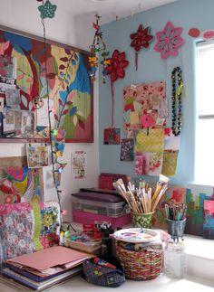 the art studio of Debra Cooper  al die kleurtjes, al een inspiratiebron op zich :-)