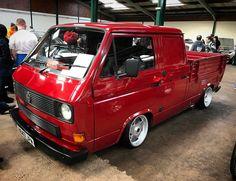 Slammed T25 Crew Cab! Www.OhSoRetro.co.uk #OhSoRetro #DubFreeze #Dubfreeze2017 #vw #volkswagen #volksworld #hayburner #vwcamper #vwt25 #T25 #vwcrewcab #wheelwhore #oldskool #cars #carporn #customcars...