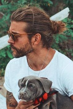 Ageless Man Bun ❤️ Want to pull off one of those masculine viking hairstyles? Check out our gallery to find the most iconic mens haircuts for short and long hair: braids, undercut, top knot, and lots of ideas are Man Bun Hairstyles, Long Bob Hairstyles, Braided Hairstyles, Viking Hairstyles, Viking Haircut, 1980s Hairstyles, Hairstyle Pics, Toddler Hairstyles, American Hairstyles
