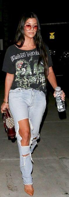 Who made Kourtney Kardashian's gold jewelry, brown print handbag, suede tan pumps, and black print top?