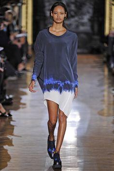 Stella McCartney RTW Fall 2014 - Slideshow - Runway, Fashion Week, Fashion Shows, Reviews and Fashion Images - WWD.com
