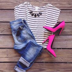 Jeans and stripe shirt with pink heels to give some pop.opt for pink flats Pink Heels Outfit, Heels Outfits, Cool Outfits, Casual Outfits, Summer Outfits, Hot Pink Shirt Outfit, Hot Pink Shoes, Pink Flats, Look Chic