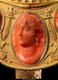 cammeo inciso nel corallo da artista di Trapani (Italia)
