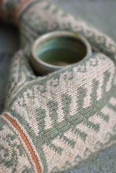Ravelry: Firenze Mittens pattern by Elizabeth Elliott