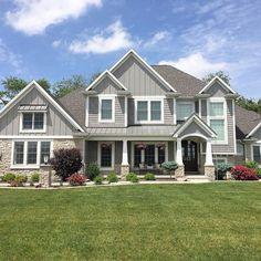 Home Renovation Ideas – Interior And Exterior - Home Remodeling Grey Exterior, House Paint Exterior, Exterior House Colors, Exterior Design, Craftsman Exterior, Bungalow Exterior, Exterior Shutters, Exterior Homes, Exterior Signage