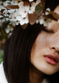 Image about girl in ft: mulan by Jessica on We Heart It Beauty Photography, Portrait Photography, Fashion Photography, Wedding Photography, Japanese Beauty, Asian Beauty, Cool Photos, Portraits, Inspiration
