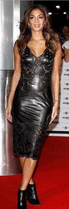 Nicole Scherzinger: Dress – Ermanno Scervino  Shoes – Gianmarco Lorenzi