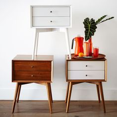 Inspired by mid-century design, the Mid-Century Nightstand borrows its slim legs, angled face and understated retro details from iconic and furniture silhouettes. Décoration Mid Century, West Elm Mid Century, Mid Century Dresser, Mid Century Decor, Mid Century Style, Mid Century Modern Bedroom, Mid Century Modern Furniture, Mid Century Modern Side Table, 60s Furniture