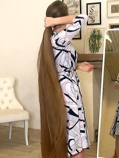 VIDEO - Katerina's extreme hair in front of the mirror - RealRapunzels Long Hair Play, Extreme Hair, Playing With Hair, Beautiful Long Hair, Hair Brush, Her Hair, Long Hair Styles, Mirror, Angles