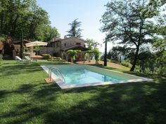 Podere Martana. Lovely restored Country House near Massa Martana, Umbria, with large garden and pool. For more info to rent this house: www.specialumbria.com.