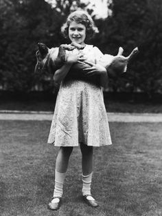 The Queen And Her Corgis: Many great pics of QE2 and her favorite dogs over the years http://www.buzzfeed.com/stacylambe/the-queen-and-her-corgis#