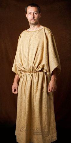 Túnica recta: Era la túnica sin faja que llevaban los hombres y las mujeres jóvenes cuando se casaban.