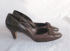 1960's Vintage Brown Leather Pumps Shoes with by MyVintageHatShop