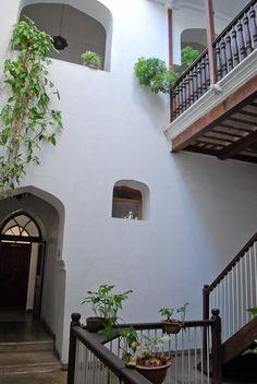 High & Low Lodging: Zanzibar Hotels