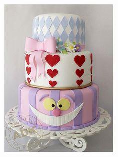 Fake cake - Alice in Wonderland Beautiful Cake Pictures, Beautiful Cakes, Amazing Cakes, Beautiful Boys, Pretty Cakes, Cute Cakes, Alice In Wonderland Cakes, Wonderland Party, Wonderland Tattoo